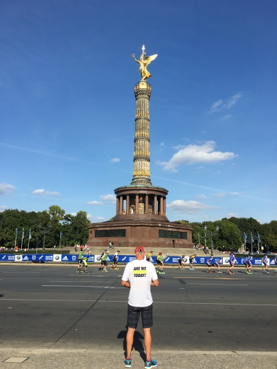 Victory Column + inline racers