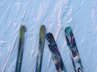 Downhill sticks and powder sticks