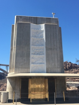 Monument midway across the dam